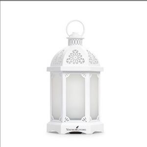 New in box lantern diffuser with essential oils